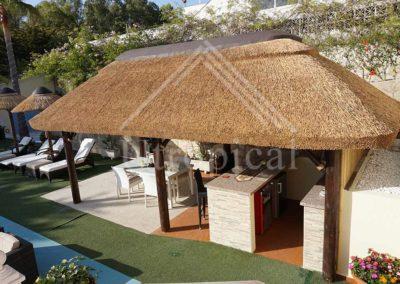 tejado tropical diseño y montaje Malaga Marbella Mijas