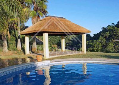 Zona para comer - instalación de techos de junco
