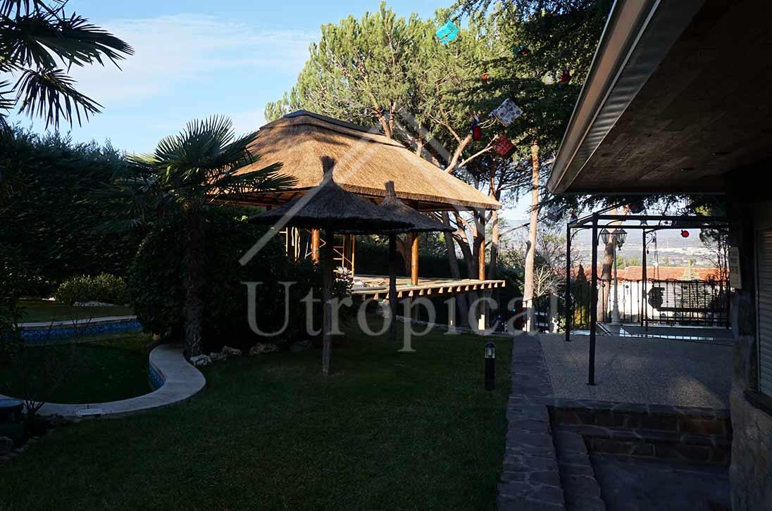 tejado tropicales de junco pergolas en Mijas Marbella