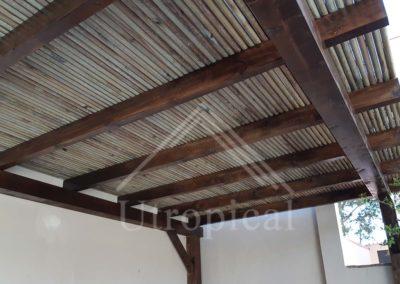 pérgola de madera maciza