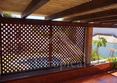Panel de madera para terraza exterior. Diseño a medida