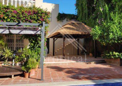 instaladores de tejado tropicales de junco