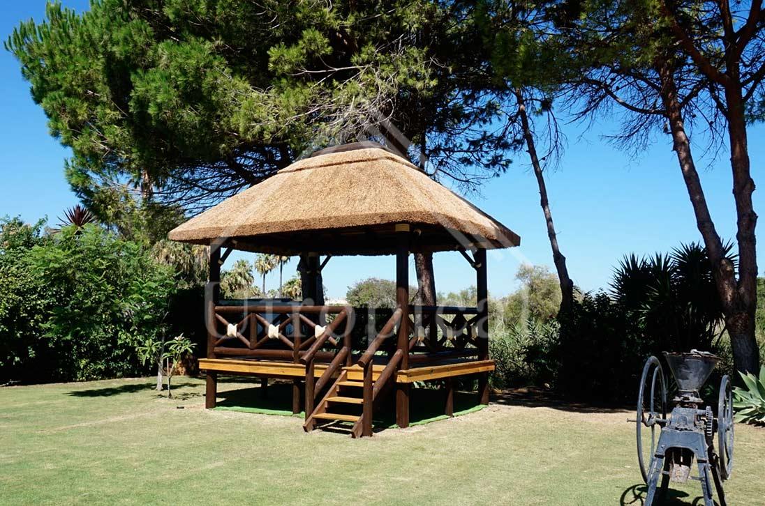 tejado de junco africano en Sotogrande