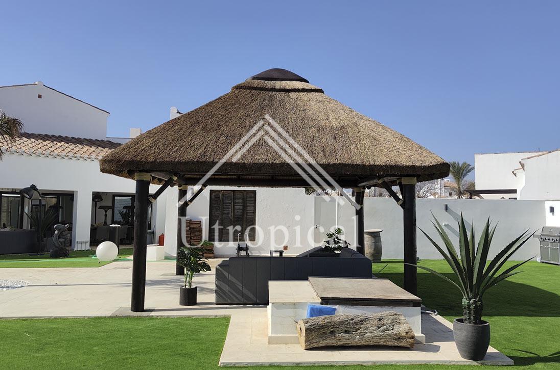 cubierta jardin tejado de junco africano en Murcia